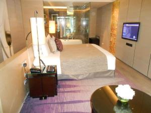 siam kempinski bed room