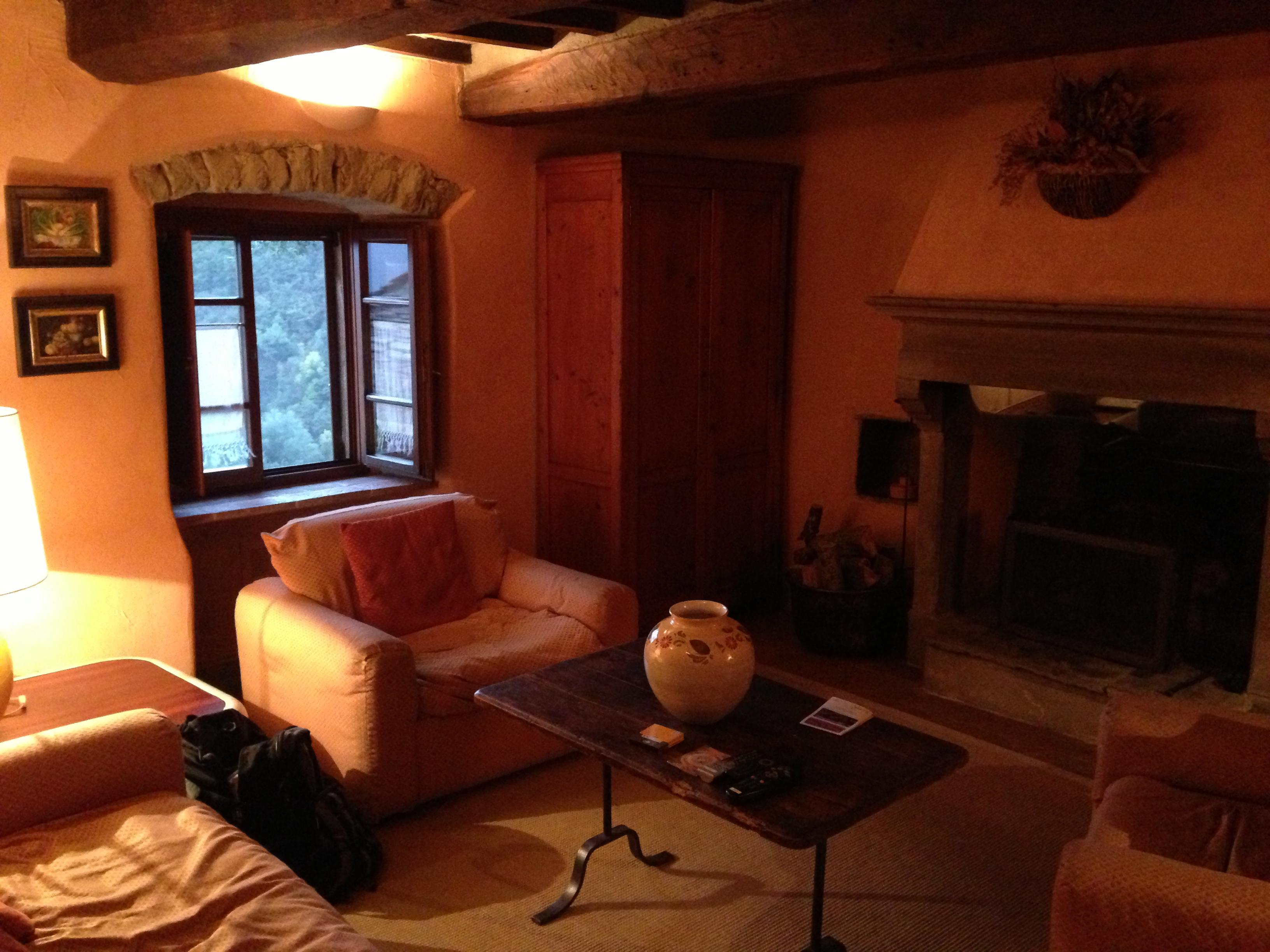borgo di vagli -umbrian living room