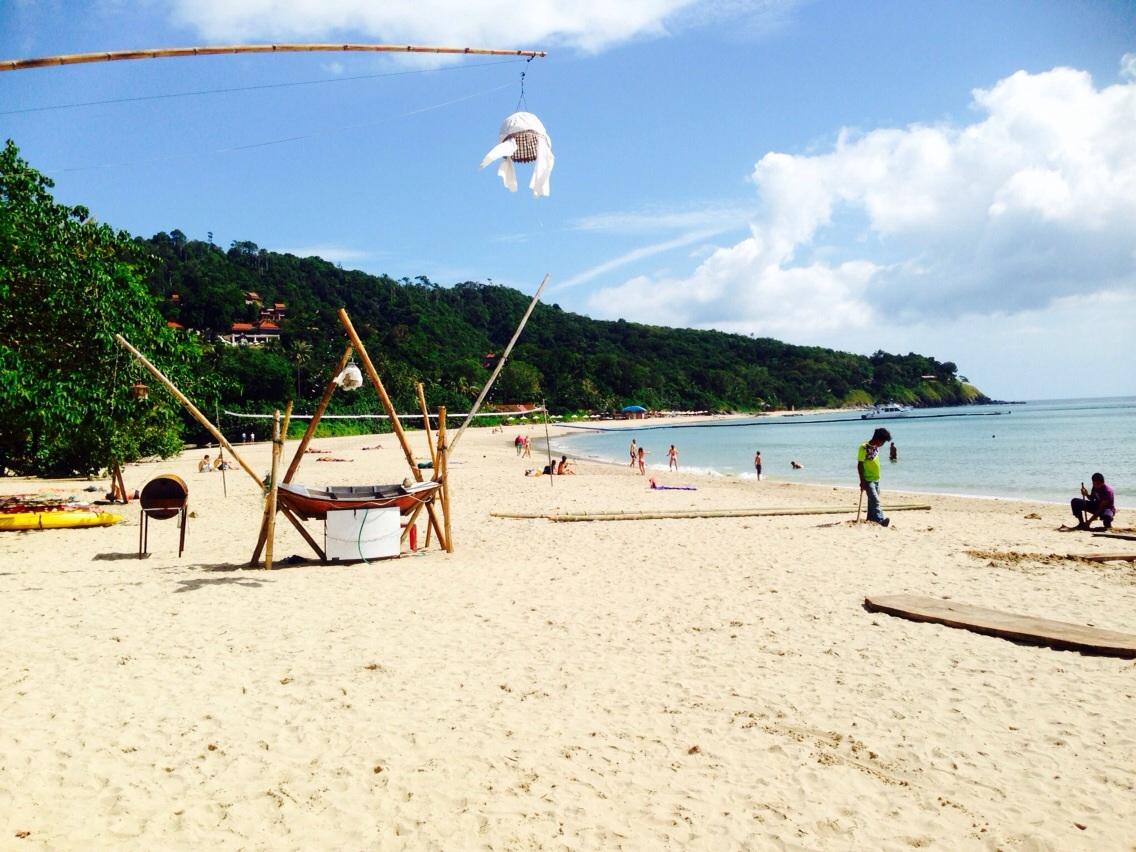 white sand beach phuket, bangkok, houben, koh lanta, Krabi, five-star luxury Pimalai Resort