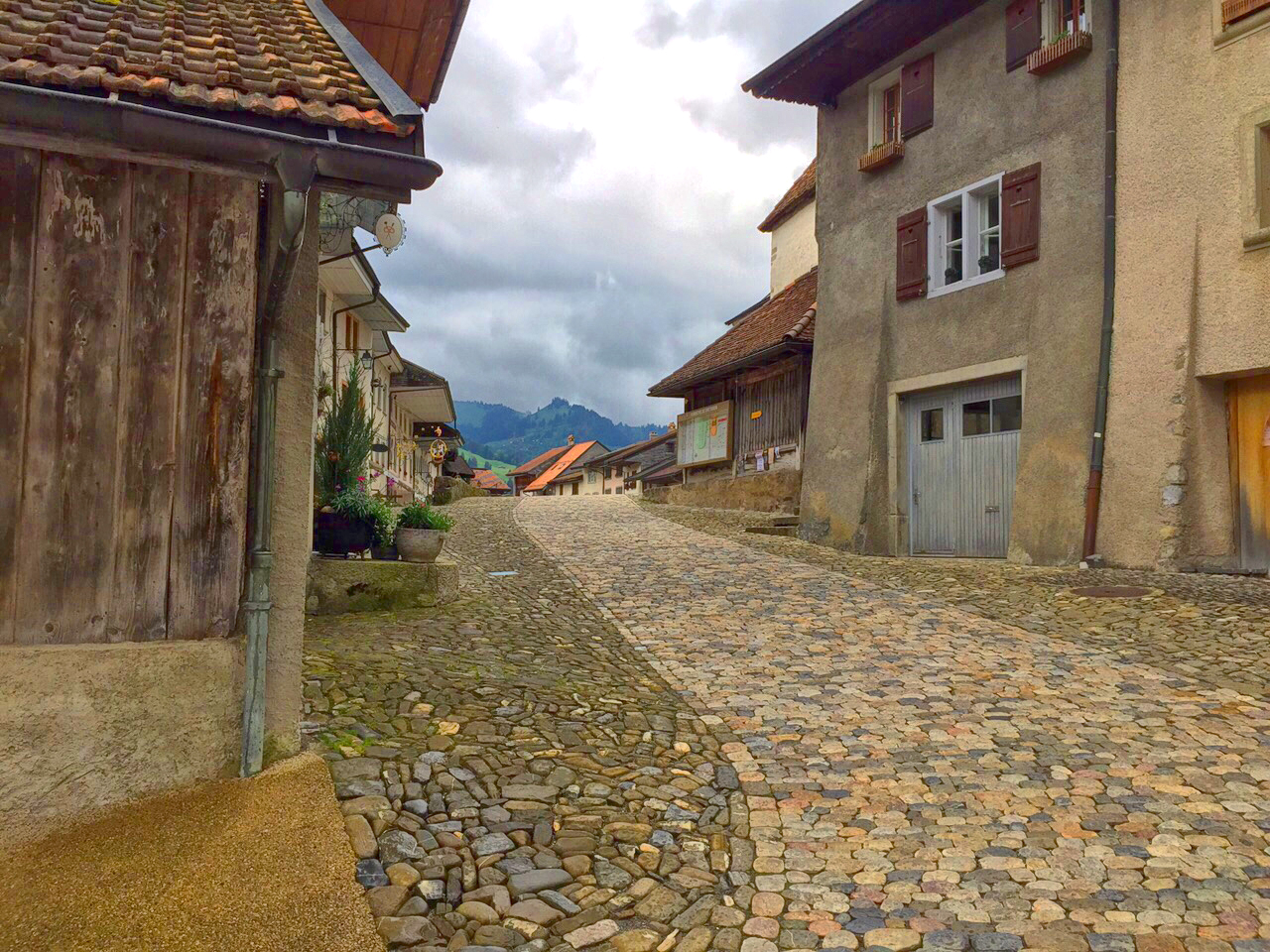 cobble stone gruyere, gruyere, Saane river, Switzerland