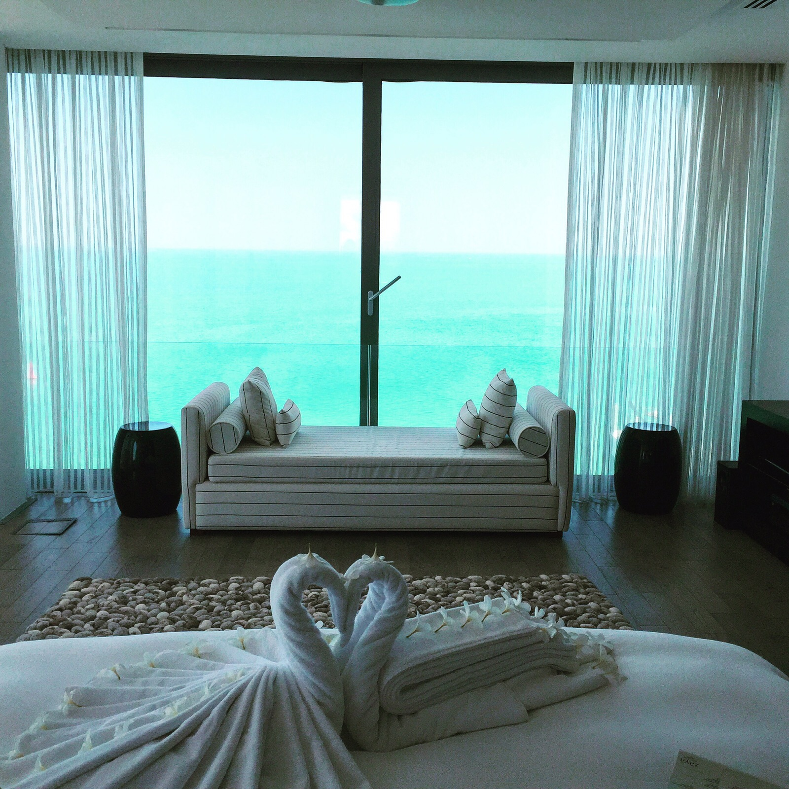 zaya nurai resort bedroom