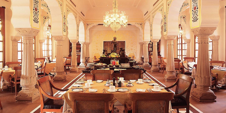 oberoi rajvilas interior, jaipur, naila fort, Oberoi RajVilas, puppets, rajasthani