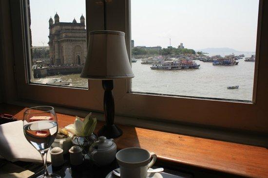 taj lounge gateway, hotel taj, taj mahal, indulgence at the taj mahal, mumbai