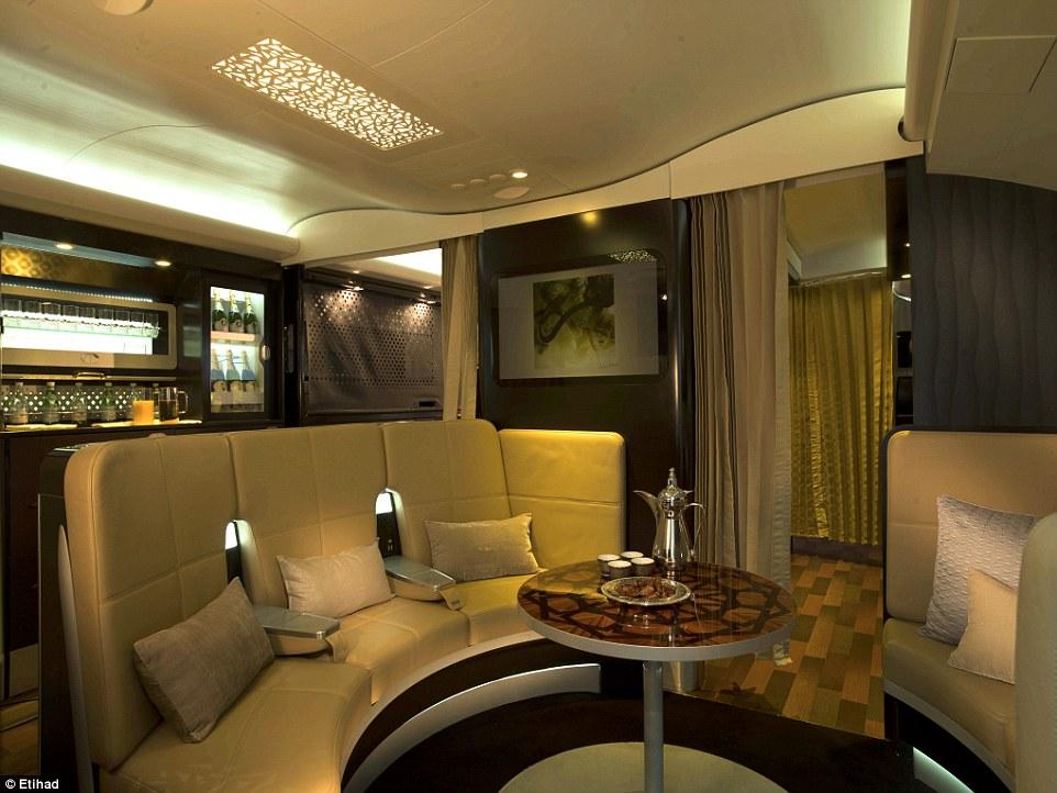 standing bar etihad airways, abu dhabi, etihad airways, UAE, united arab emirates