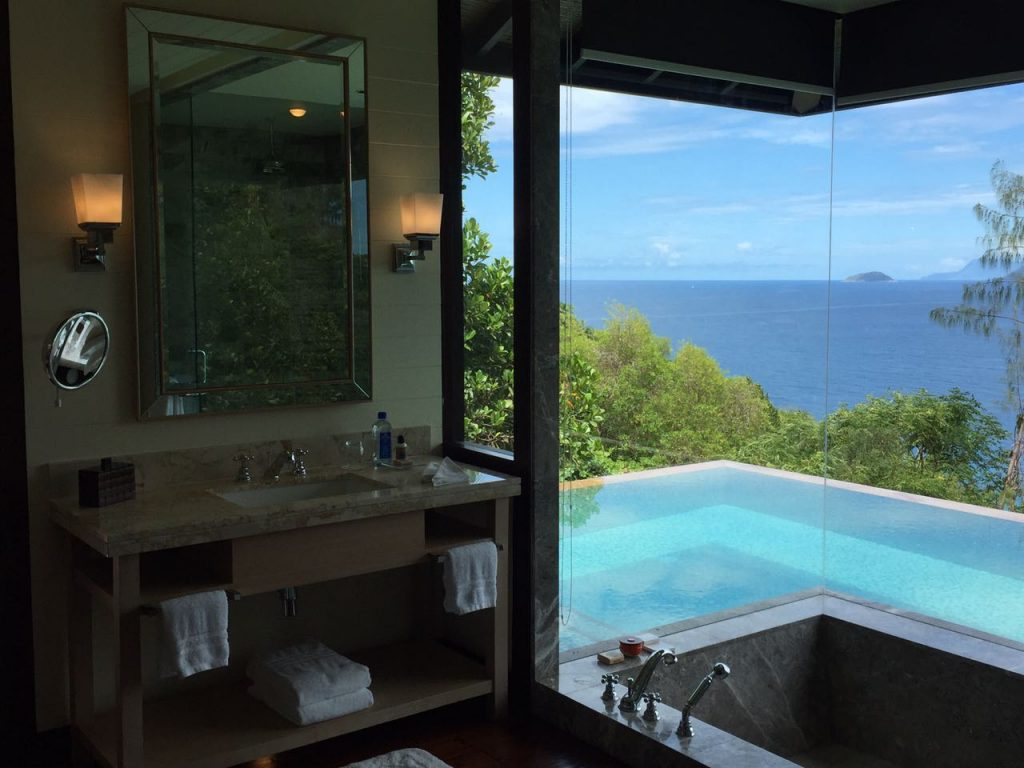 ZEZ lounge four seasons resort seychelles