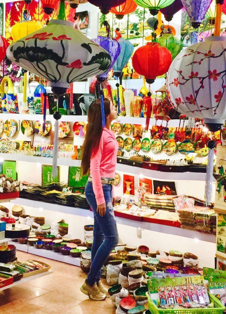 hanoi vietnam market