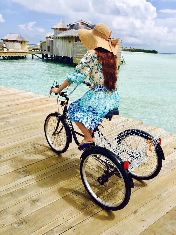 cycling soneva jani deck, blue lagoon, cinema paradiso cinema, medhufaru island, mike dalley, so starstuck, soneva jani, the gathering, will smith