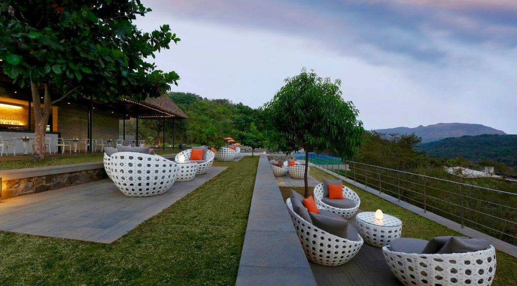 Evening at Hilton Shillim Estate, luxury hotels sahyadris, Hilton Shillim Retreat and Spa, sahyadris luxury resorts, hilton shillim estate retreat lonavala