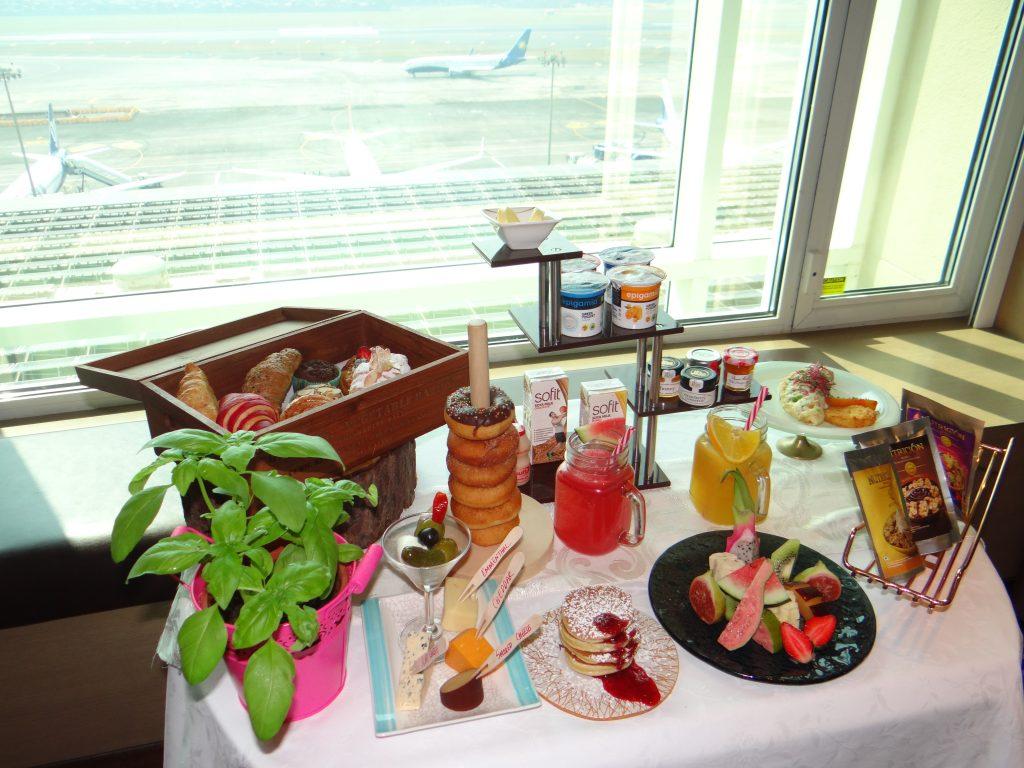 Breakfast at Taj Santacruz, luxury hotel Mumbai, Taj hotels Mumbai, Taj Santacruz Mumbai, Hotel Taj Santacruz Mumbai,