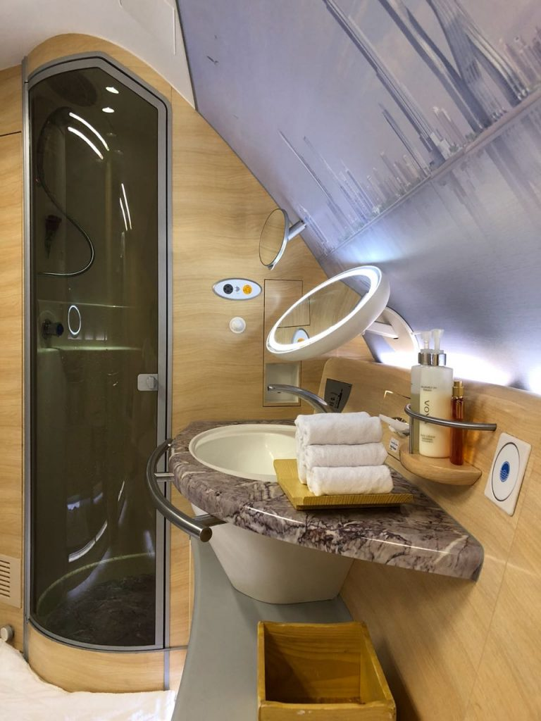 Emirates First Class, emirates first class private suite, emirates first class review, emirates first class suite