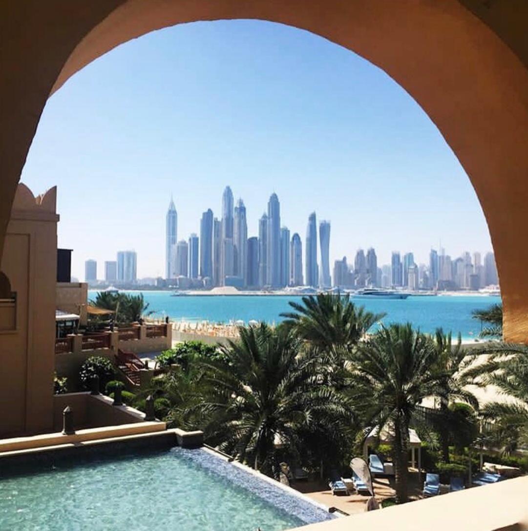 Fairmont The Palm Dubai, luxurious Fairmont The Palm, luxury Dubai hotel, private beach of fairmont the palm, beachfront resort Dubai,